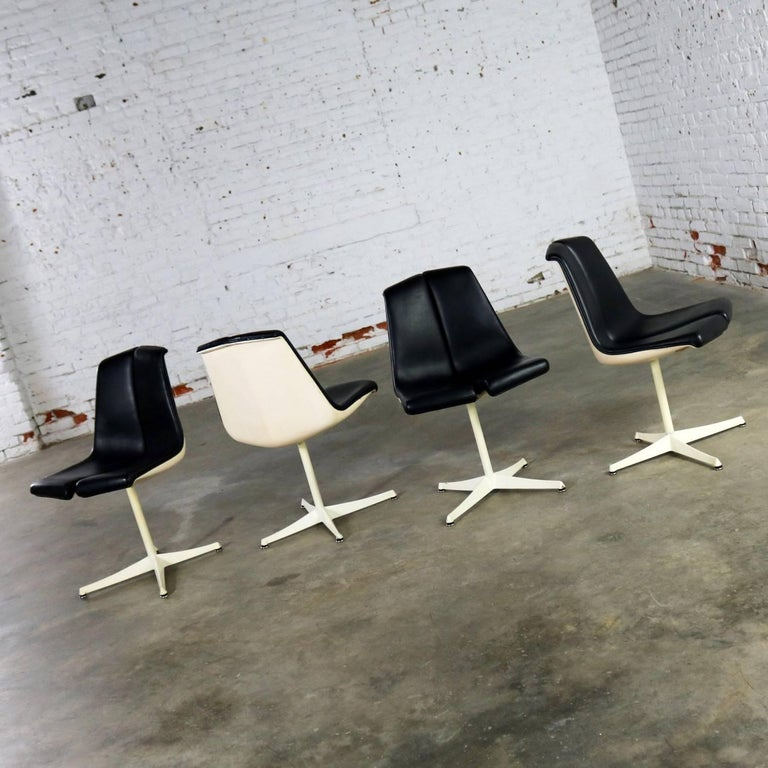 Set of Four Richard Schultz Stacking Dining Chairs for Knoll For Sale 2