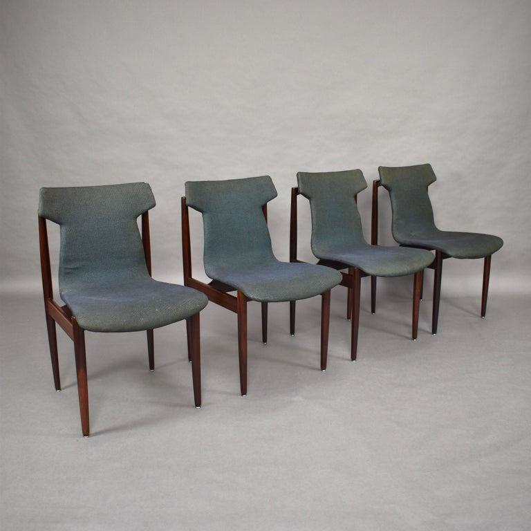 The seats of the chairs are designed and mounted in such a way that they appear to be floating on the base.  Design: Inger Klingenberg (Denmark)  Manufacturer: Fristho Franeker (Netherlands)  Date: circa 1960  Model: Dining