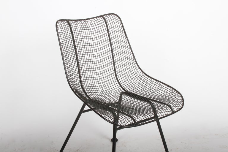 Set of Four Russell Woodard Sculptura Mesh Dining Side Chairs In Good Condition For Sale In St. Louis, MO