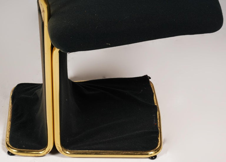 Set of Four Saporiti Style Italian Brass and Velvet Pads Dining Chairs, 20th C In Good Condition In Ft. Lauderdale, FL