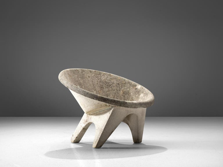 Set of Four Sculptural Lounge Chairs in Concrete For Sale 1