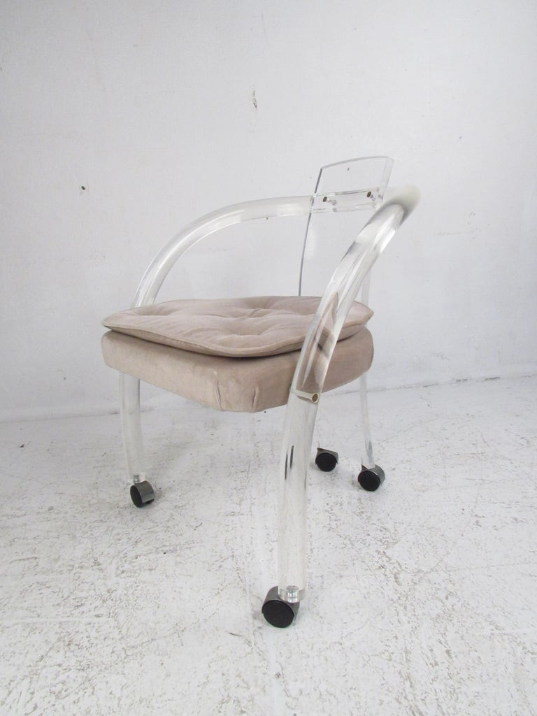 American Set of Four Sculptural Midcentury Lucite Dining Chairs by Hill Manufacturing For Sale
