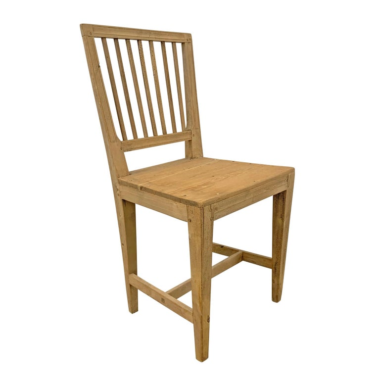 Set of Four Swedish Gustavian Pine Dining Chairs In Good Condition For Sale In Chicago, IL