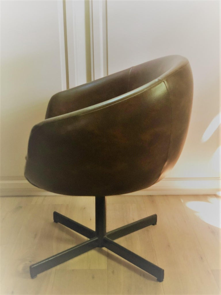 Late 20th Century Set of Four Swivel Tub Chairs by Shelby Williams For Sale