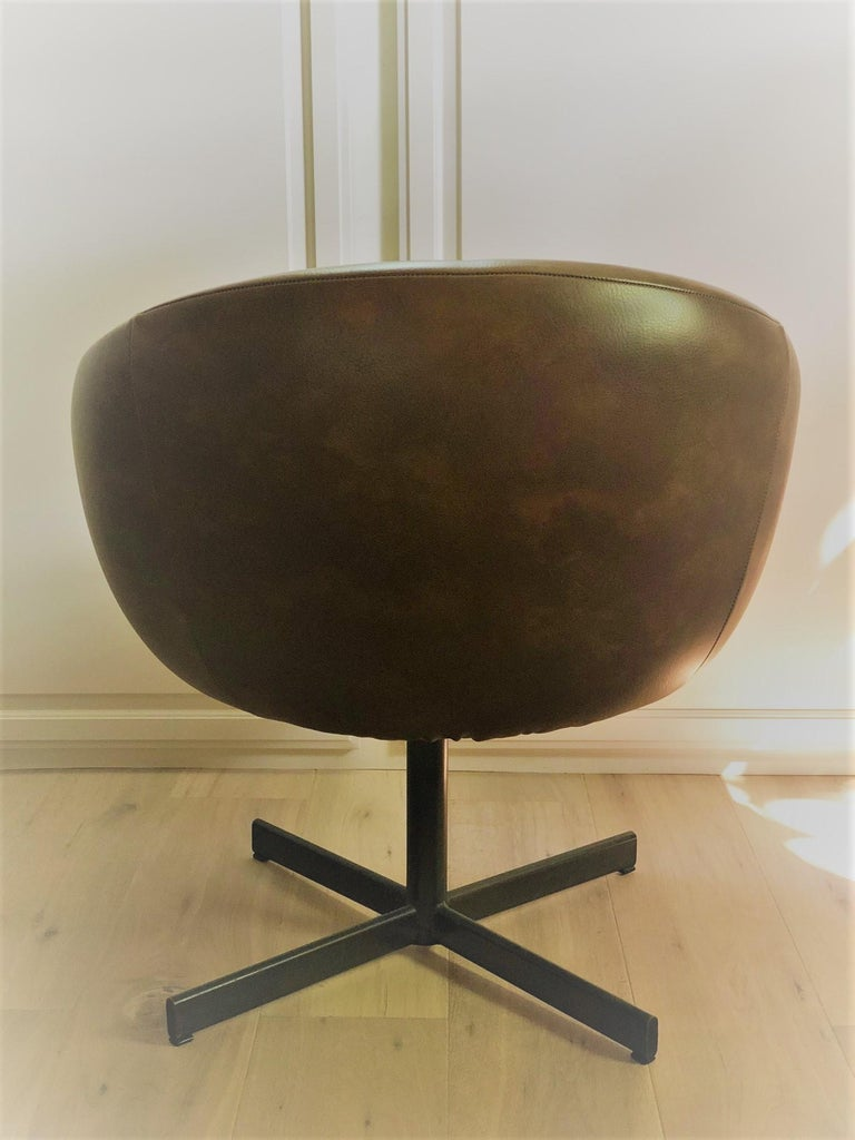 Set of Four Swivel Tub Chairs by Shelby Williams For Sale 1