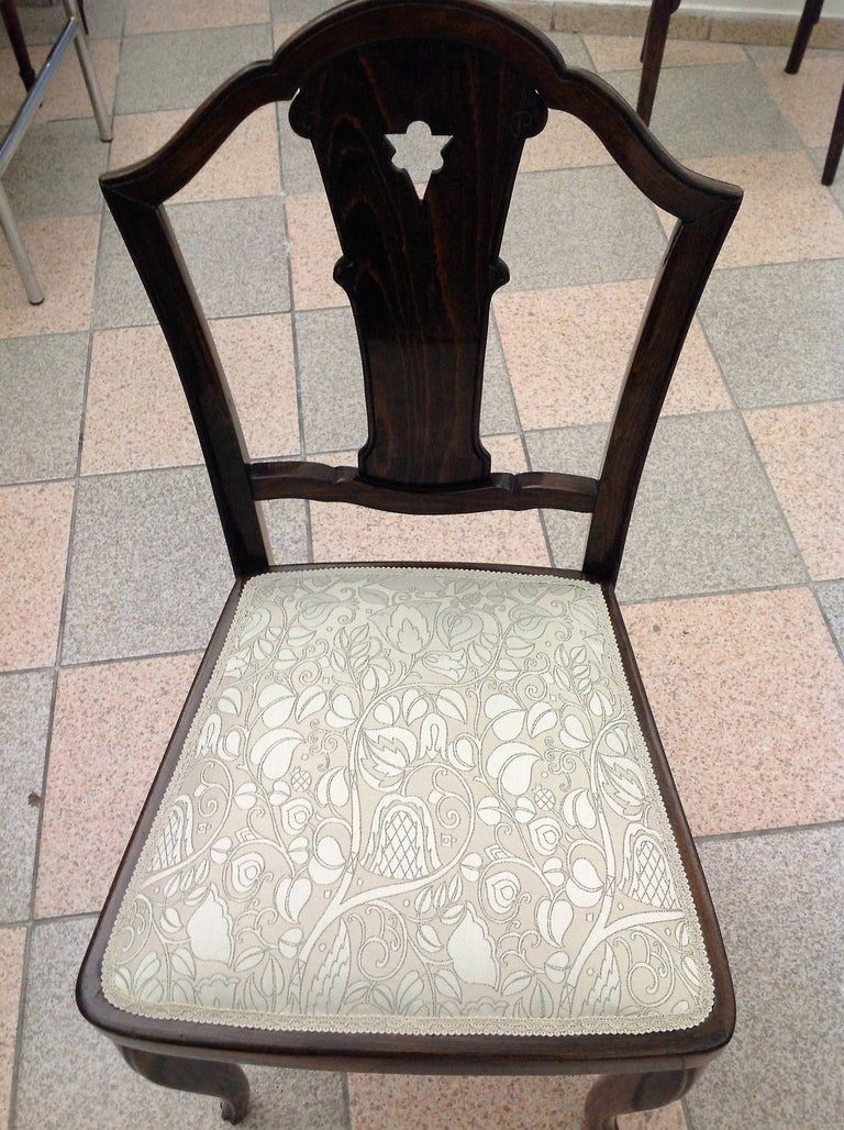 Beech Set of Four Thonet Chairs Attributed to Otto Prutscher For Sale