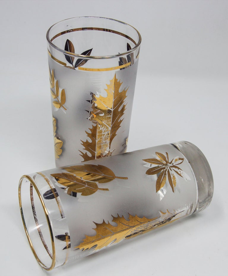 Set of Four Vintage Cocktail Glasses by Libbey with Gold Leaf Design For Sale 6