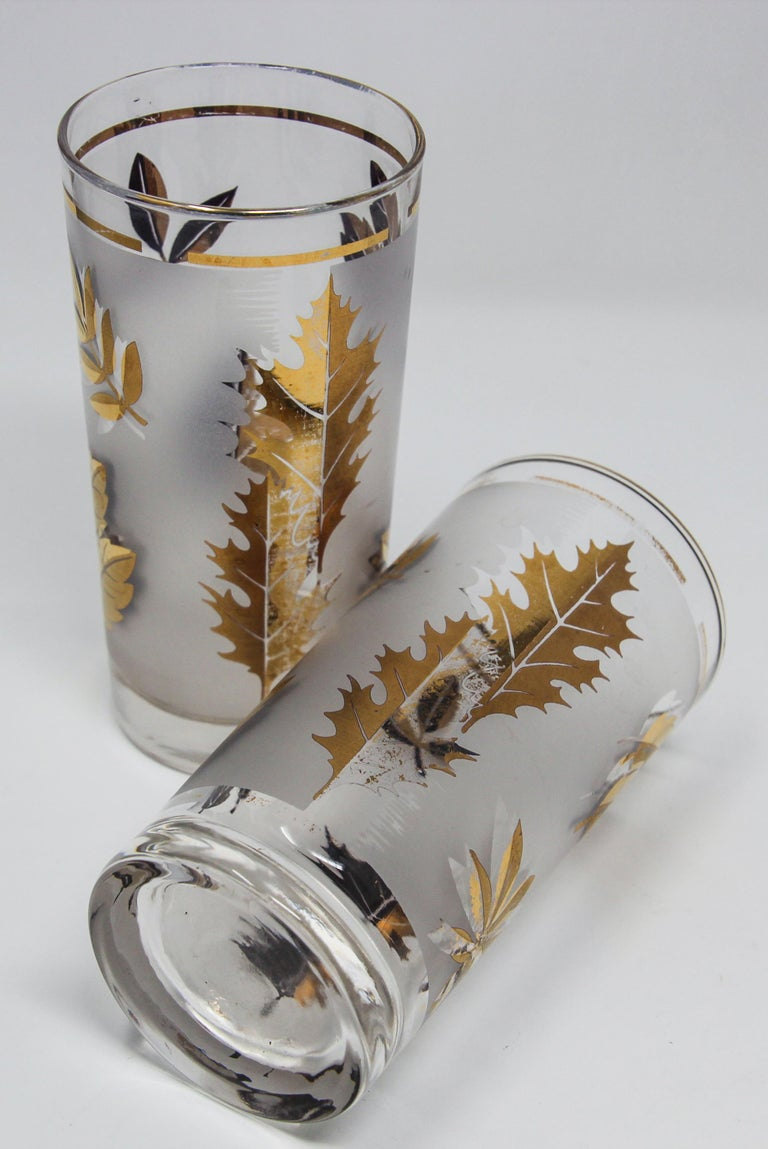 Set of Four Vintage Cocktail Glasses by Libbey with Gold Leaf Design For Sale 7