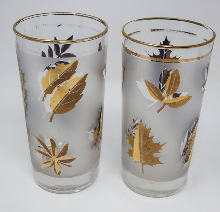 Mid-Century Modern Set of Four Vintage Cocktail Glasses by Libbey with Gold Leaf Design For Sale