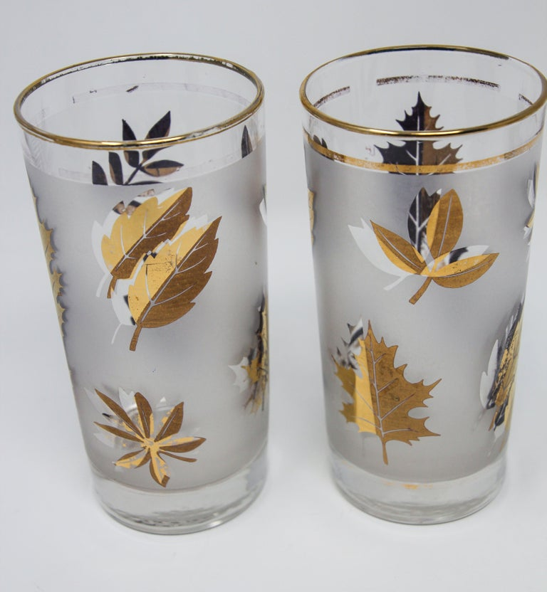 American Set of Four Vintage Cocktail Glasses by Libbey with Gold Leaf Design For Sale
