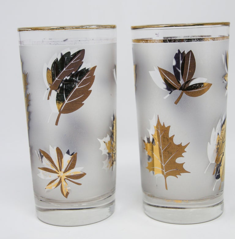 Frosted Set of Four Vintage Cocktail Glasses by Libbey with Gold Leaf Design For Sale