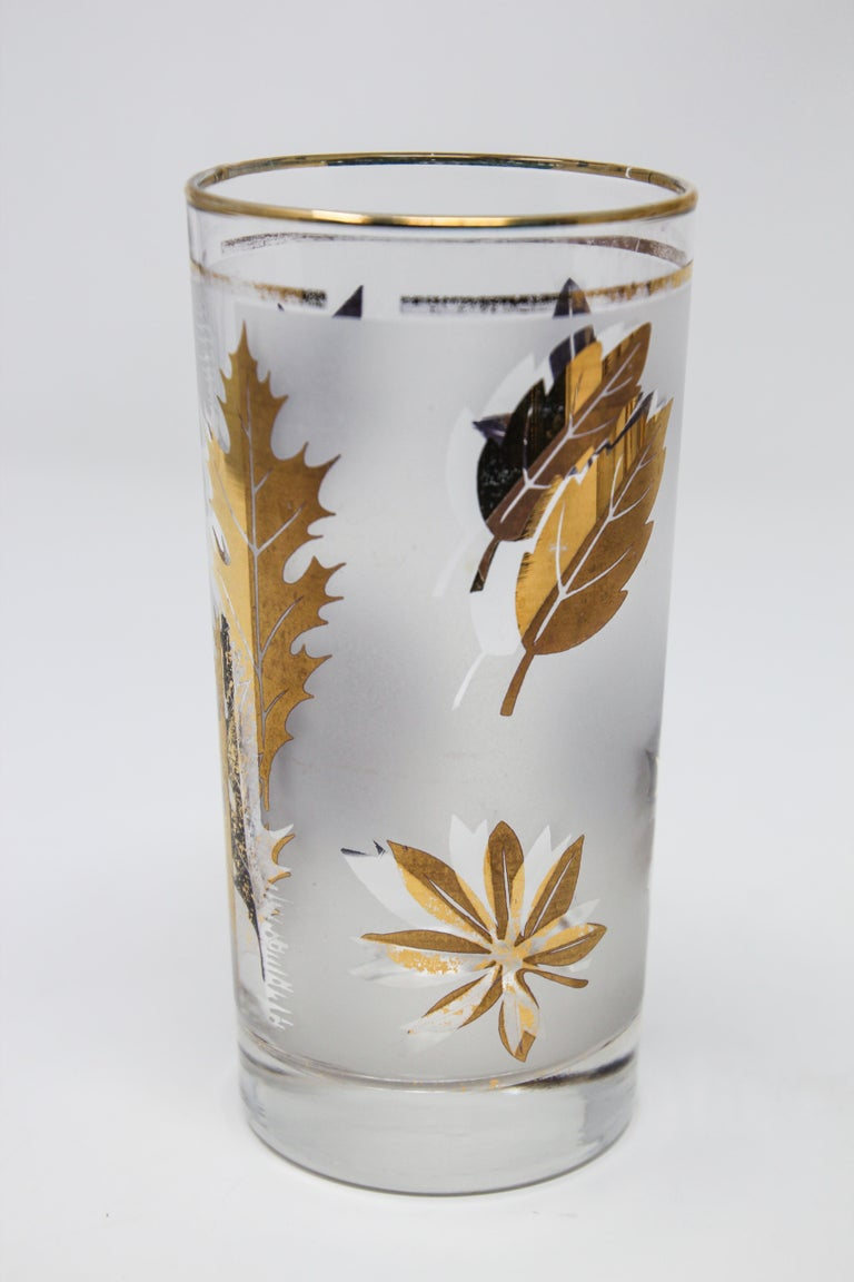 Set of Four Vintage Cocktail Glasses by Libbey with Gold Leaf Design For Sale 2