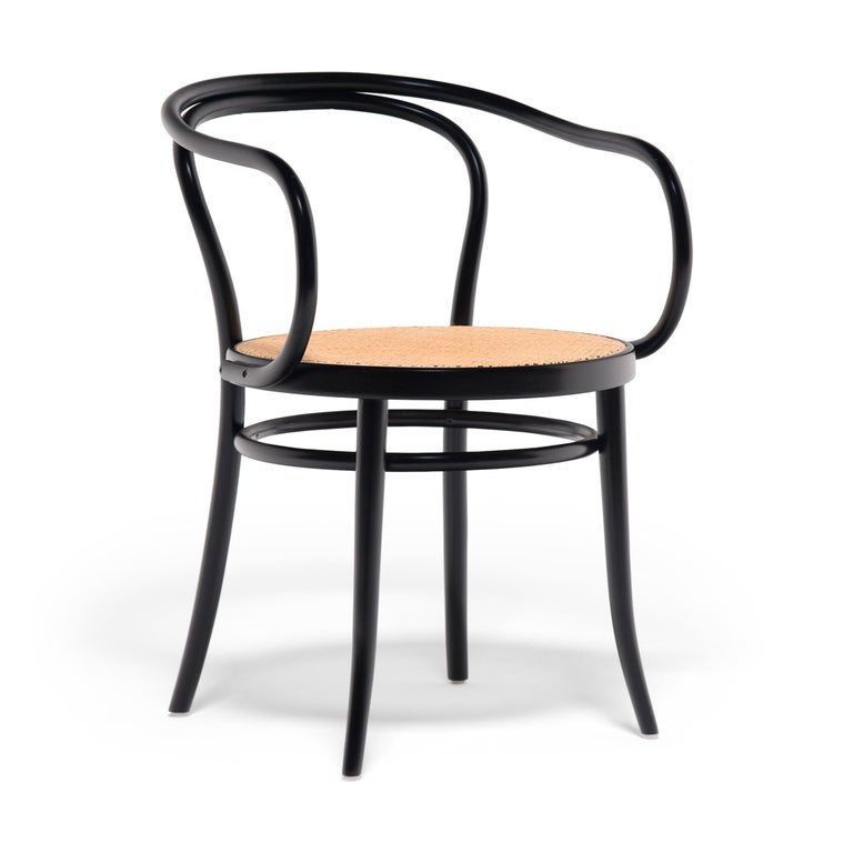 With clean lines and a light, open frame, this Thonet side chair exemplifies the elegance of bentwood furniture. Patented in the mid-19th century by master joiner Michael Thonet, bentwood furniture design is the innovative process of bending