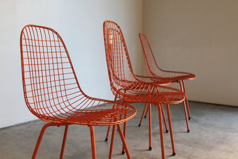 Mid-Century Modern Set of Four Wire Chair DKX 5 by Ray & Charles Eames Designed in 1951 For Sale