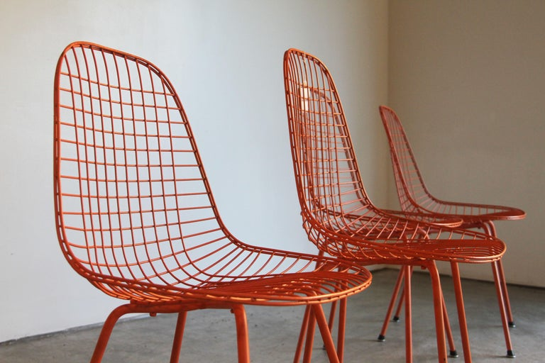 Set of Four Wire Chair DKX 5 by Ray & Charles Eames Designed in 1951 In Good Condition For Sale In St. Louis, MO