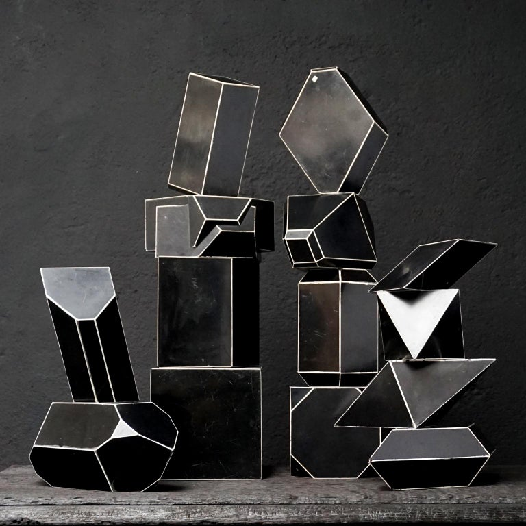 Set of Fourteen Geometric Bakelite Art Deco Science Classroom Crystal Models In Good Condition For Sale In Haarlem, NL