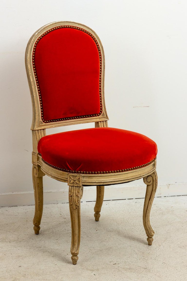 Set of Fourteen Orange Velvet Upholstered Dining Chairs, circa 1920s For Sale 3