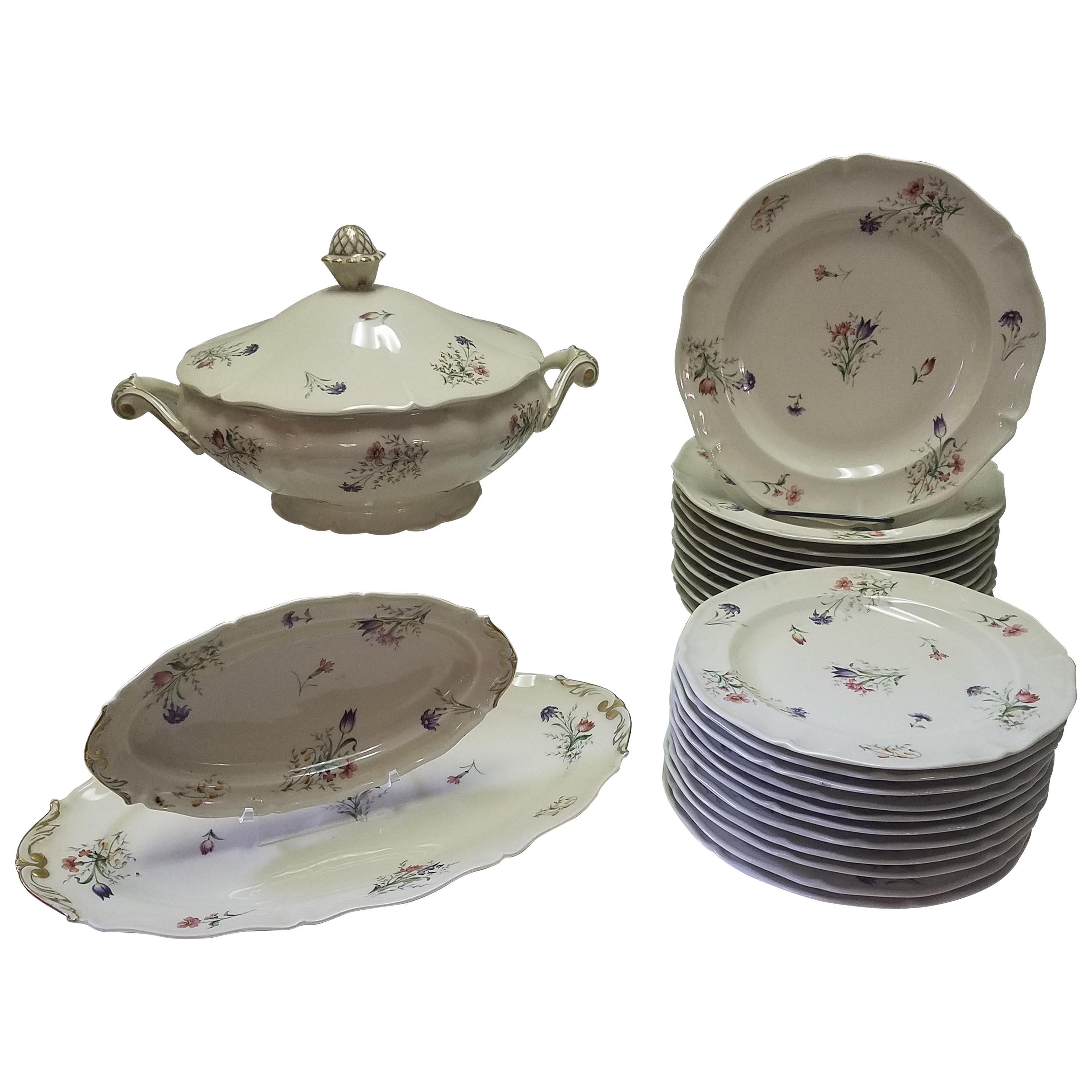 Set of French Limoges Dinnerware, 26 Pieces
