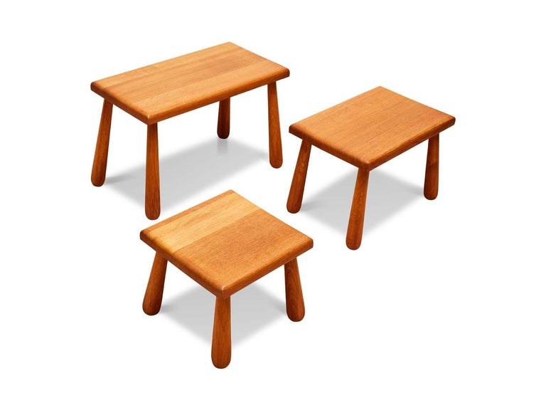 Set of French Oak Nesting Stools In Excellent Condition For Sale In Los Angeles, CA