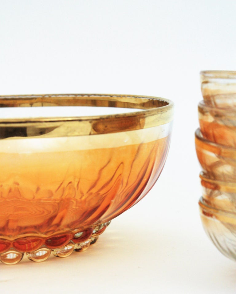 Mid-Century Modern Set of Iridiscent Amber and Clear Pattern Pressed Glass Gold Rim Bowls For Sale