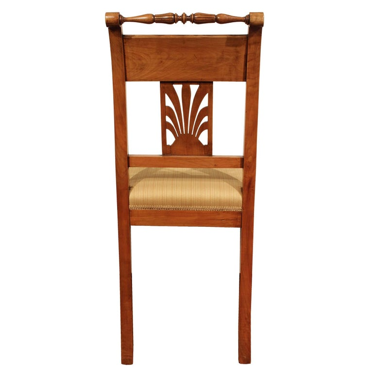 Set of Mid-19th Century Biedermeier Dining Room Chairs For Sale 2