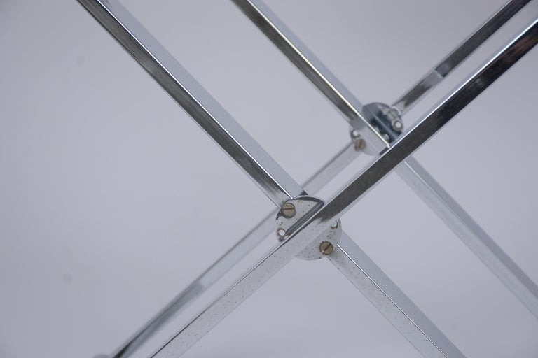 Set of Mid-Century Modern Chrome Side Tables In Good Condition For Sale In Los Angeles, CA