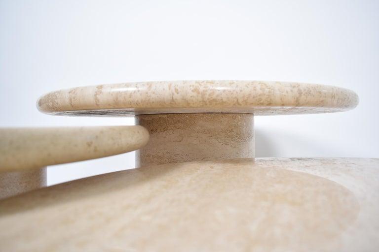 Set of Mid-Century Modern Cream Travertine Round Pedestal Coffee Tables, 1970 For Sale 1