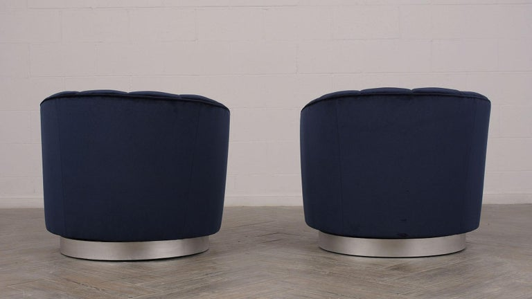 Set of Mid-Century Modern Milo Baughman Swivel Club Chairs In Excellent Condition For Sale In Los Angeles, CA