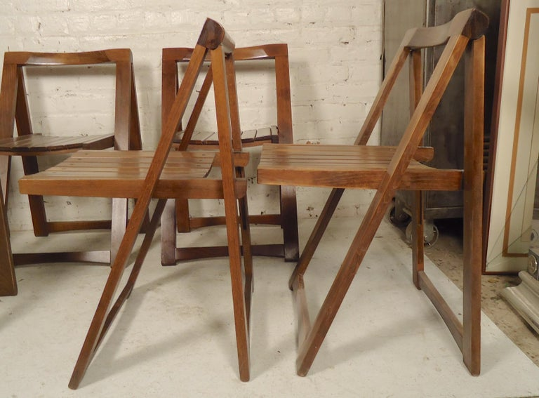 Set of Mid-Century Modern Slat Chairs In Good Condition In Brooklyn, NY
