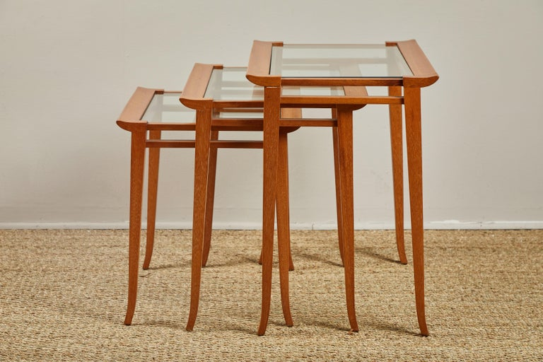 Mid-Century Modern Set of Midcentury Nesting Tables For Sale