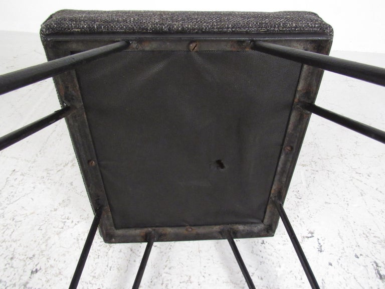 Set of Midcentury Hairpin Barstools For Sale 4