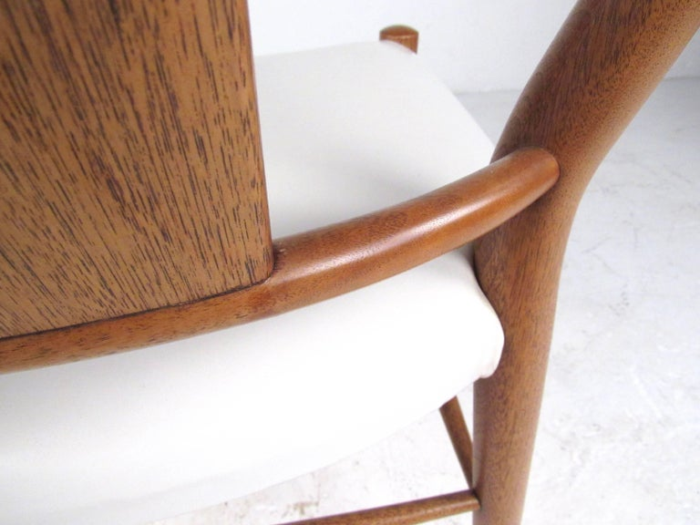 Set of Midcentury Leather Dining Chairs by Heritage Henredon For Sale 4