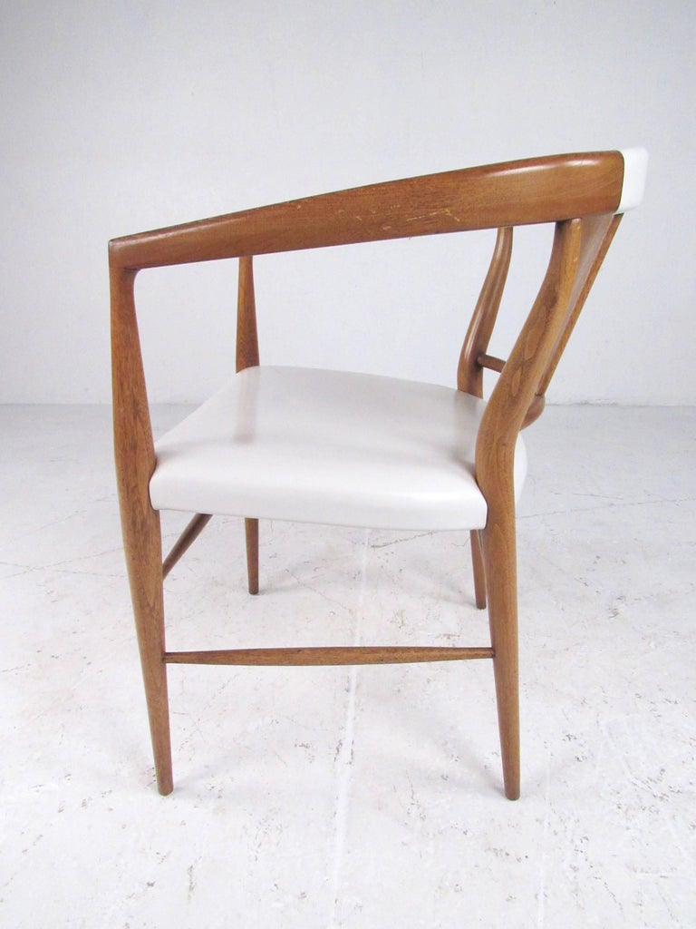 Set of Midcentury Leather Dining Chairs by Heritage Henredon In Good Condition For Sale In Brooklyn, NY