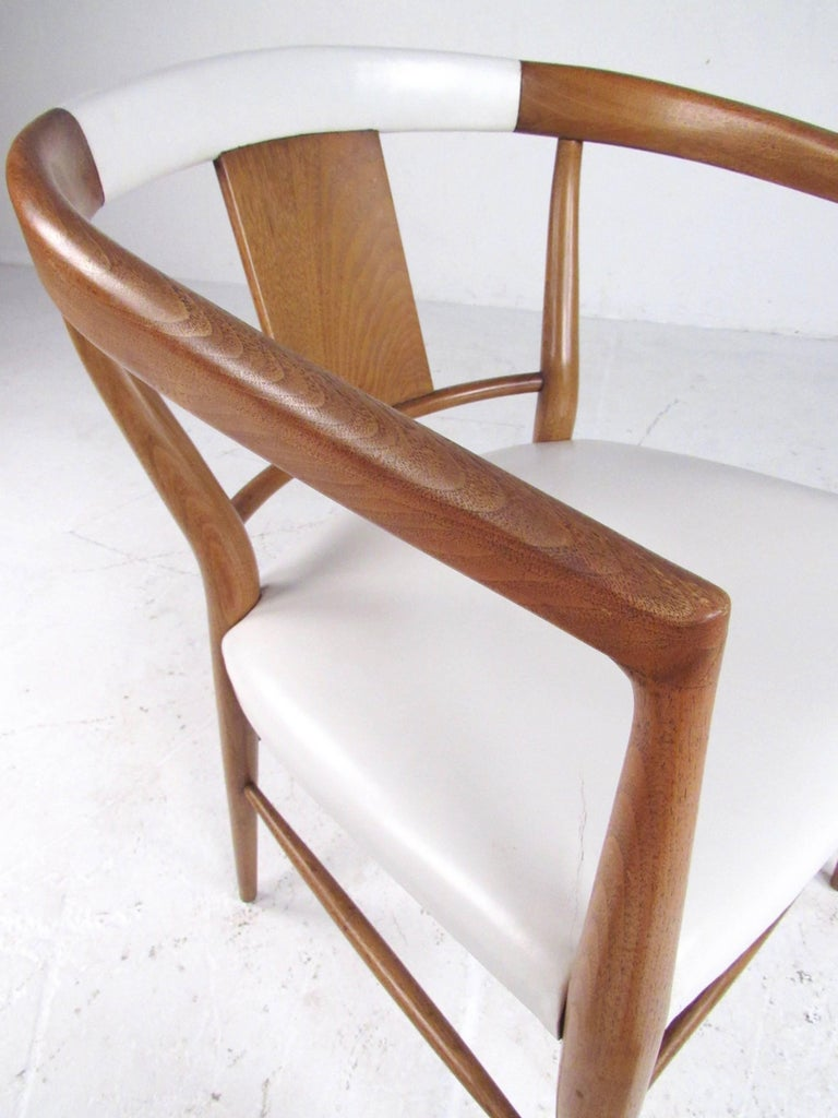 Set of Midcentury Leather Dining Chairs by Heritage Henredon For Sale 1