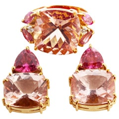 Set of Morganite and Rubelite Tourmaline 18 Karat Gold Ring and Stud Earrings
