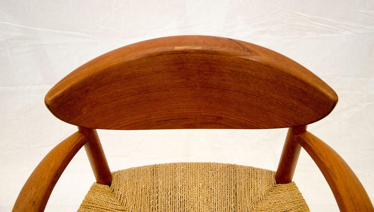 Set of Nine Danish Teak Dining Chairs by Peter Hvidt For Sale 4