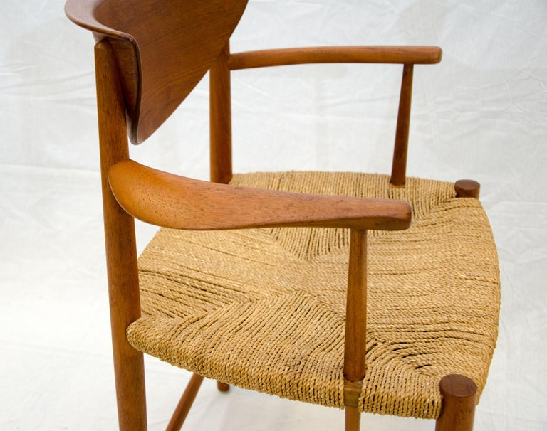 Set of Nine Danish Teak Dining Chairs by Peter Hvidt For Sale 1