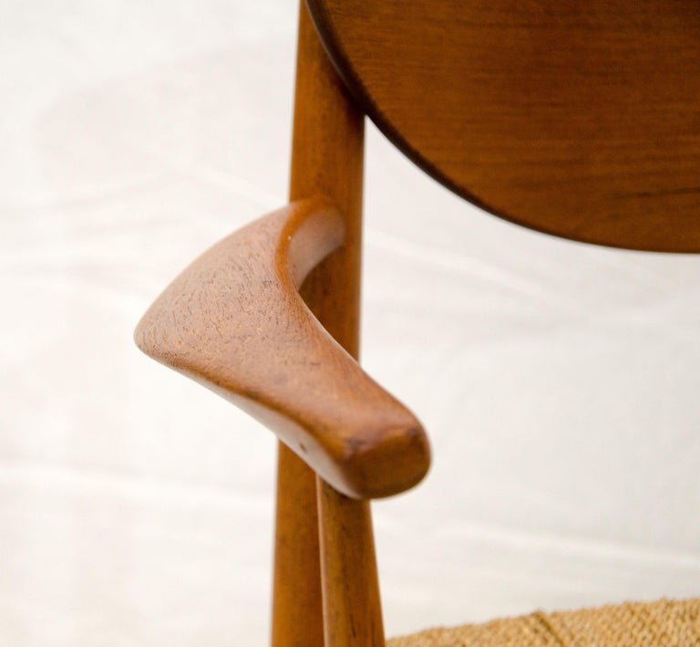 Set of Nine Danish Teak Dining Chairs by Peter Hvidt For Sale 2