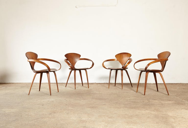 Mid-Century Modern Set of Norman Cherner Pretzel Dining Chairs, Made by Plycraft, USA, 1960s For Sale