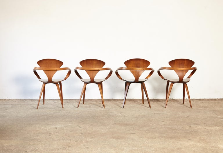 Set of Norman Cherner Pretzel Dining Chairs, Made by Plycraft, USA, 1960s In Good Condition For Sale In London, GB