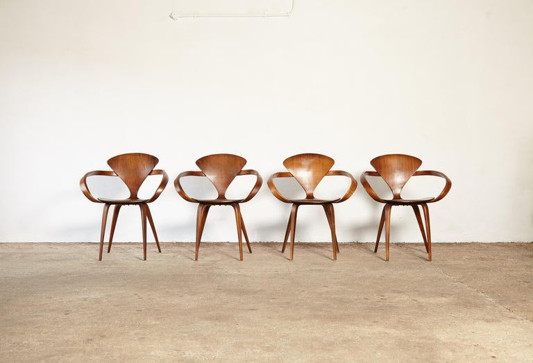 20th Century Set of Norman Cherner Pretzel Dining Chairs, Made by Plycraft, USA, 1960s For Sale