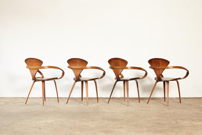 Wood Set of Norman Cherner Pretzel Dining Chairs, Made by Plycraft, USA, 1960s For Sale