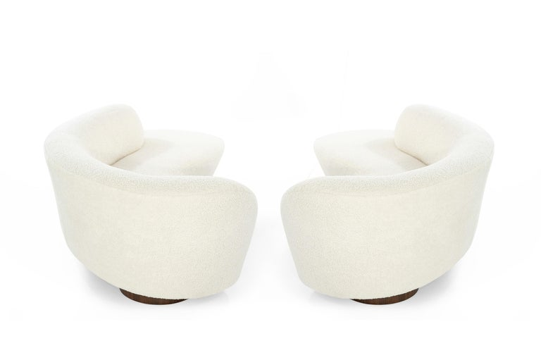 Set of Opposing Sofas by Vladimir Kagan in Bouclé In Excellent Condition For Sale In Stamford, CT