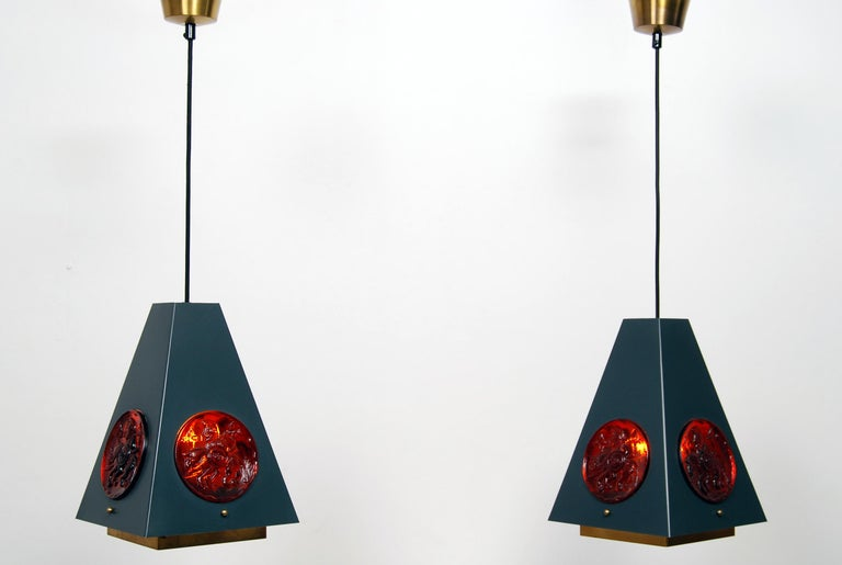 A pair of Swedish pendant lamps or hanging lights made by Einar Ba¨ckstro¨m and glass parts by Erik Ho¨glund.Executed in enameled steel, brass and glass. it comes with 1 x E27 / E26 Edison screw fit bulb holders. Rewired with black fabric cables.