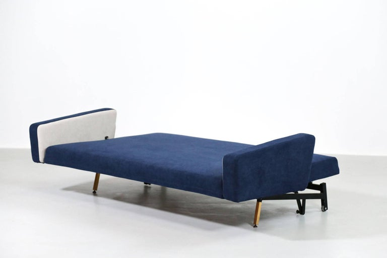 Set of Pierre Guariche Sofa Bed and Pair of Armchairs for Airborne French Design For Sale 5