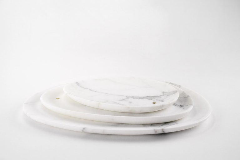 Italian Set of Plates Hand Carved in White Statuary Marble Design by Pieruga Marble For Sale