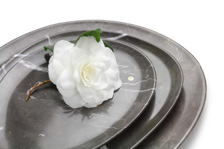 Modern Set of Plates Handmade in Imperial Grey Marble Design by Pieruga Marble Italy For Sale