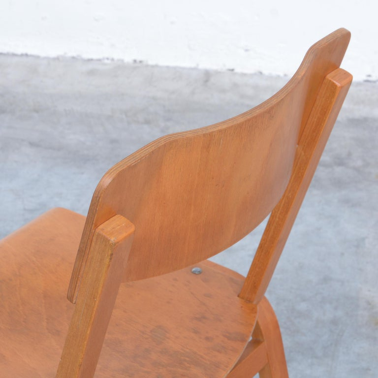Set of Plywood Dining Chairs of the 1960s For Sale 3