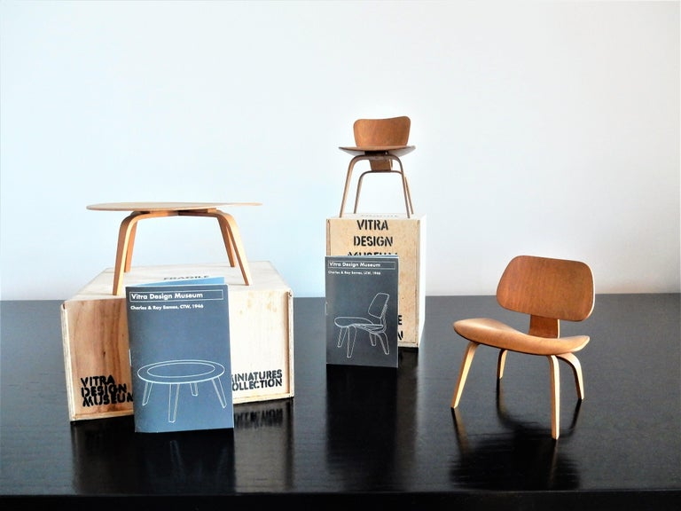 Set of Plywood miniatures by Charles & Ray Eames for Vitra, Switzerland In Good Condition For Sale In Steenwijk, NL