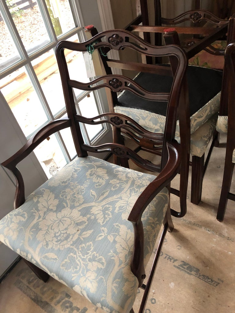 American Set of 8 Mahogany Chippendale Style Ribbon Back Dining Chairs, Fabric Seats For Sale